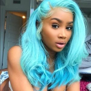 ✨MELODY SKY BLUE BABYGURL LACE FRONT WIG *NWT*